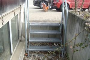 Kleine Stahltreppe